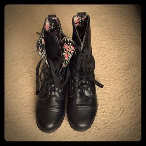 Shoes - Black boots, with vintage inner linings!